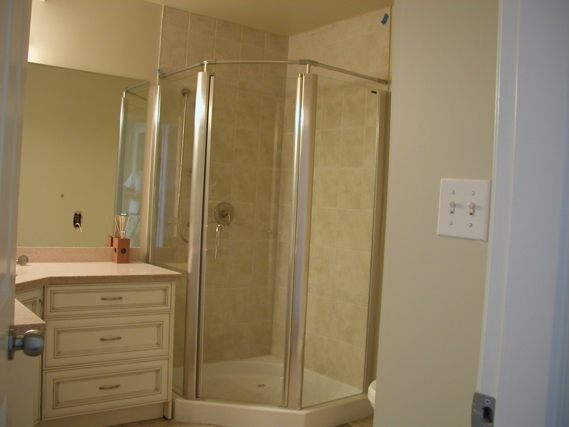 Image Result For Small Piece Bathroom Layout