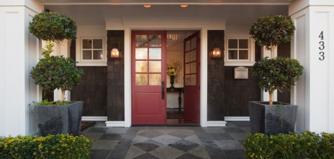 Refresh Your Entryway with These Colonial Front Door Collections