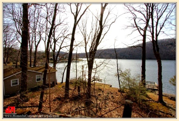 This 3 bedroom lakefront home for sale in Danbury CT is just what you need for your outdoor adventure.