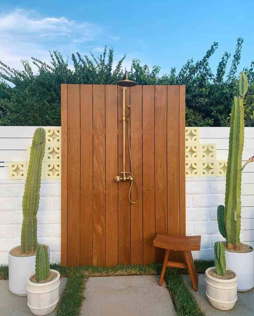 Outdoor Shower Inspiration: 40 Ideas To Create A Backyard Oasis