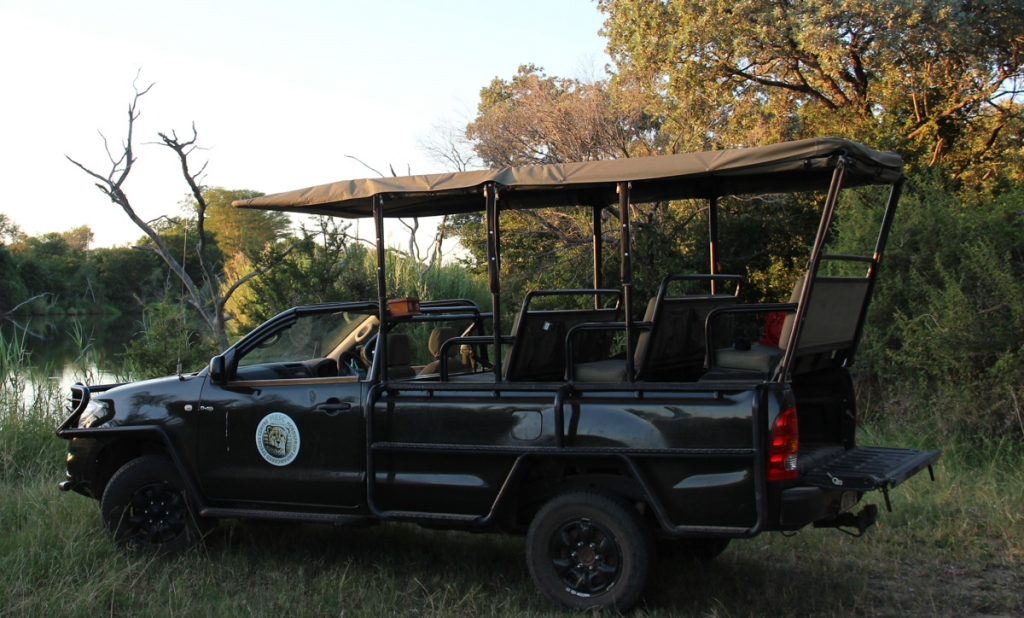Safari truck Hoedspruit Endangered Species Centre