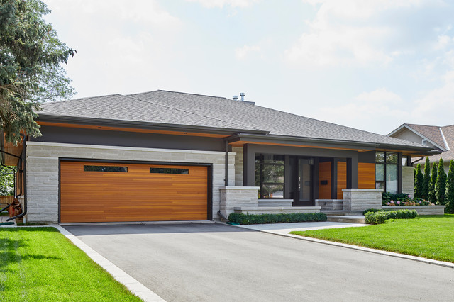 Finding Modern Bungalow house with a unique garage?