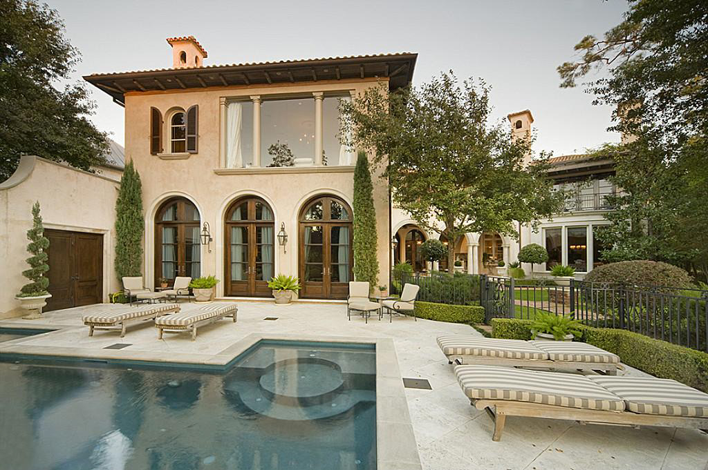 Mediterranean Home In The Memorial Park Section Of Houston