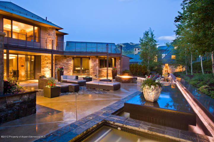 359 Million Aspen CO Family Compound With Two