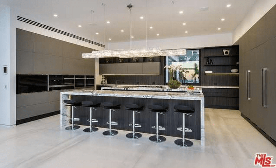 35 Million Newly Built Contemporary Mansion In Beverly