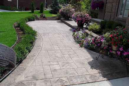 Affordable front yard walkway landscaping ideas (2)