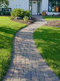 Affordable front yard walkway landscaping ideas (35)