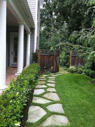 Affordable front yard walkway landscaping ideas (71)