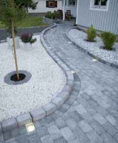 Affordable front yard walkway landscaping ideas (77)