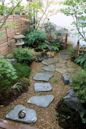 Affordable front yard walkway landscaping ideas (9)