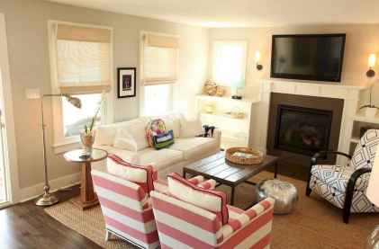 Amazing decorating ideas for small living room (25)
