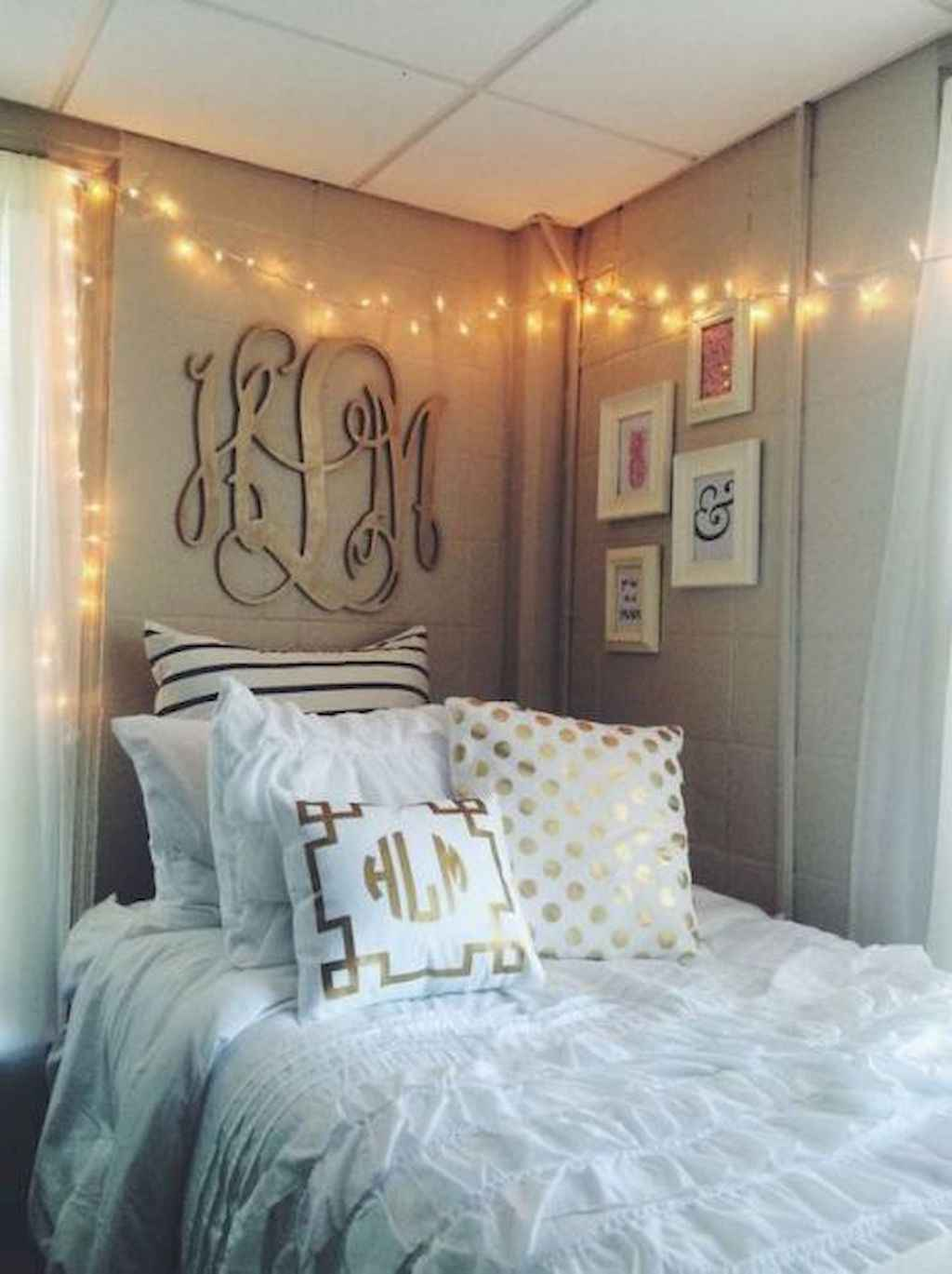 Cute diy dorm room decorating ideas on a budget (11)