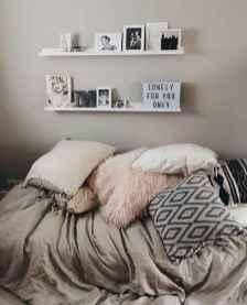 Cute diy dorm room decorating ideas on a budget (18)