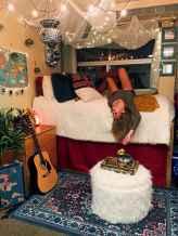 Cute diy dorm room decorating ideas on a budget (31)