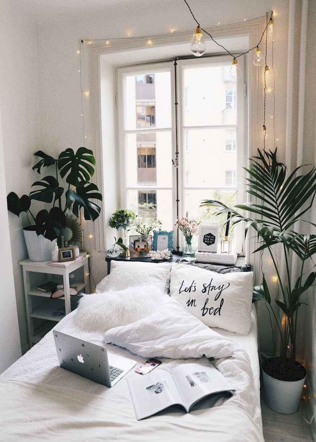 Cute diy dorm room decorating ideas on a budget (43)