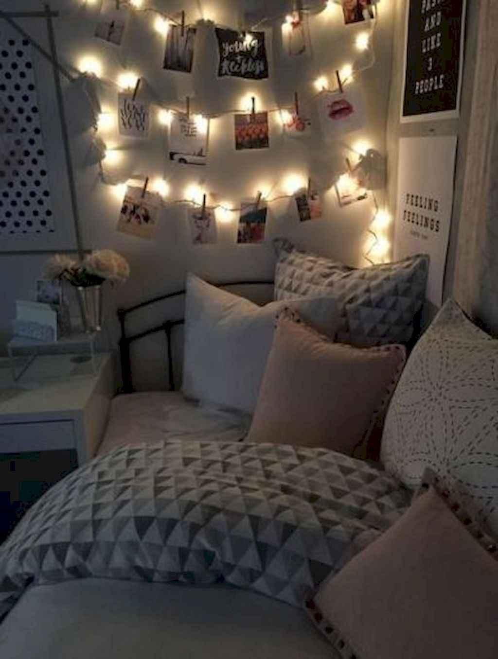 Cute diy dorm room decorating ideas on a budget (47)