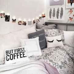 Cute diy dorm room decorating ideas on a budget (65)