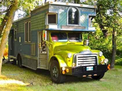 Tiny house bus designs and decorating ideas (44)