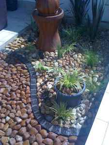 Beautiful front yard rock garden landscaping ideas (19)
