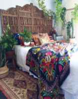 Beautiful and elegance chic bohemian bedroom decor ideas (53)