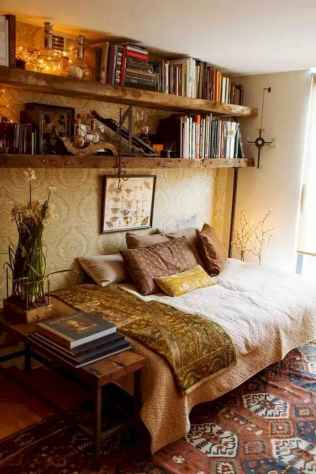 Beautiful and elegance chic bohemian bedroom decor ideas (56)