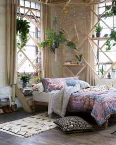 Beautiful and elegance chic bohemian bedroom decor ideas (7)