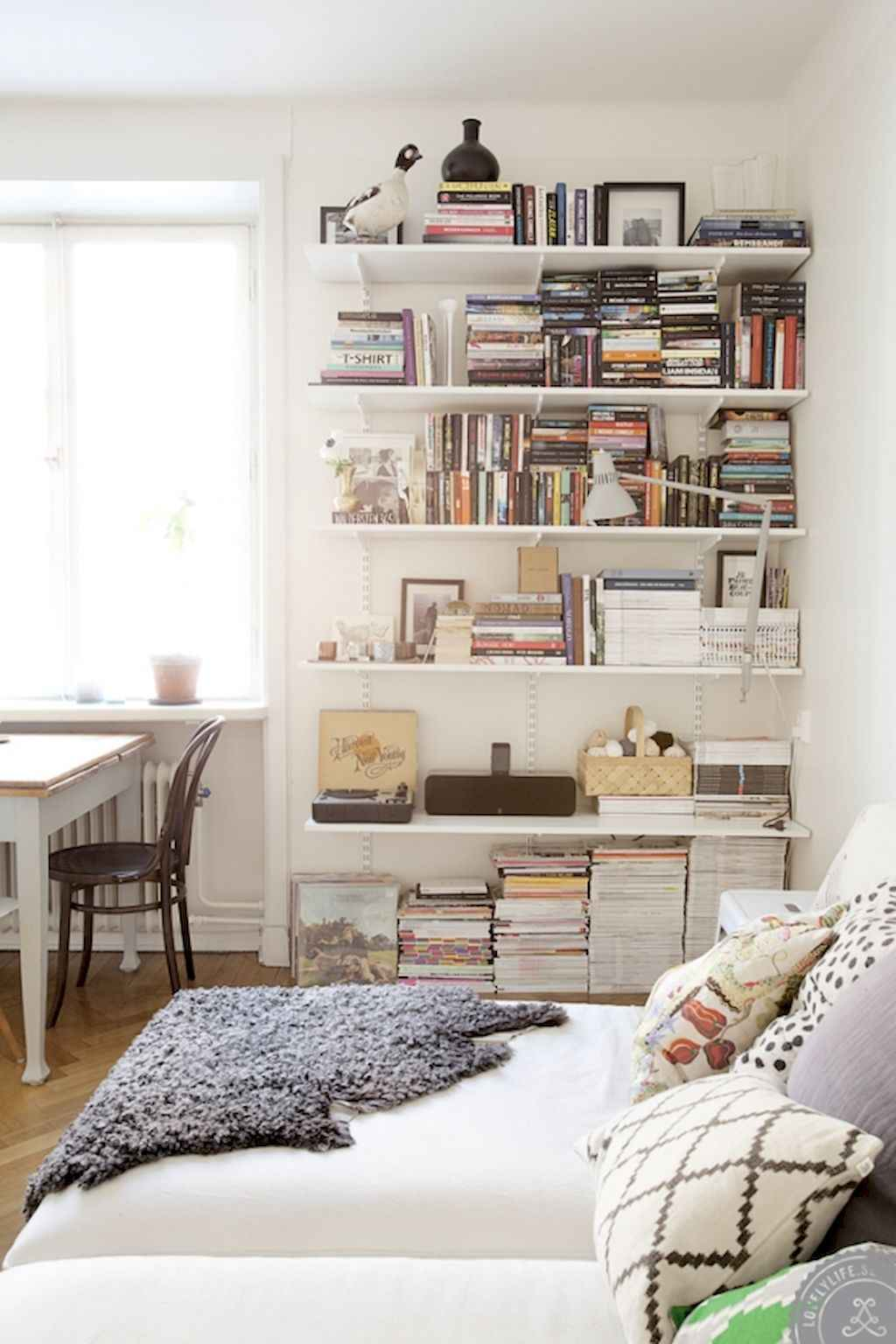 Cool small apartment decorating ideas on a budget (16)