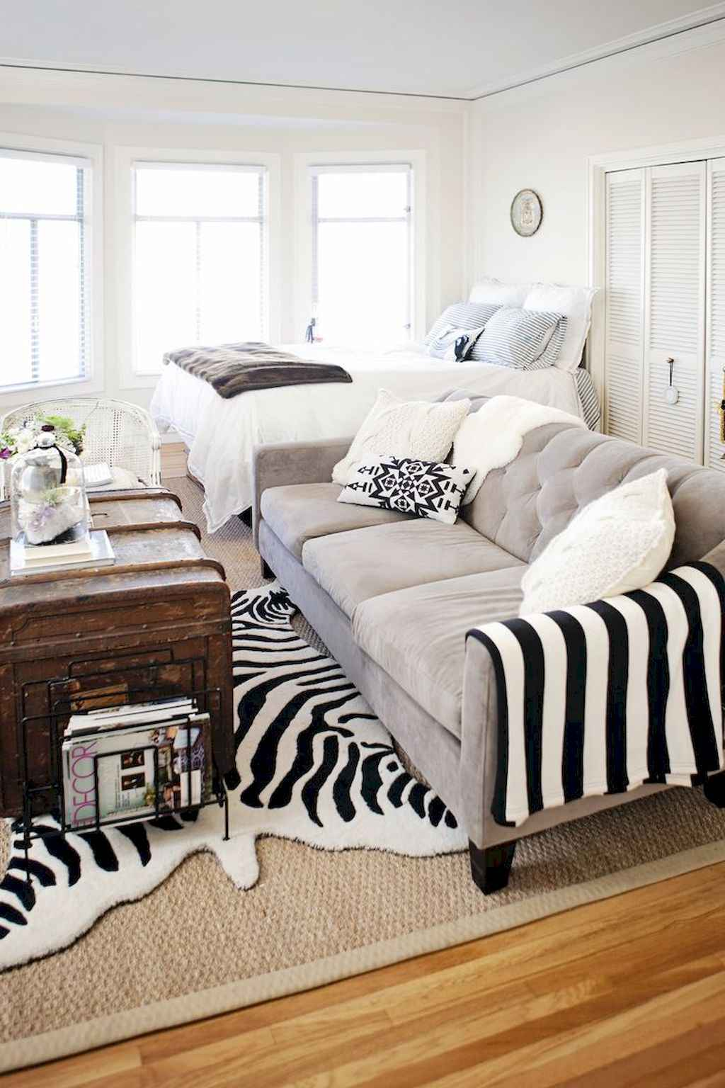 Cool small apartment decorating ideas on a budget (30)