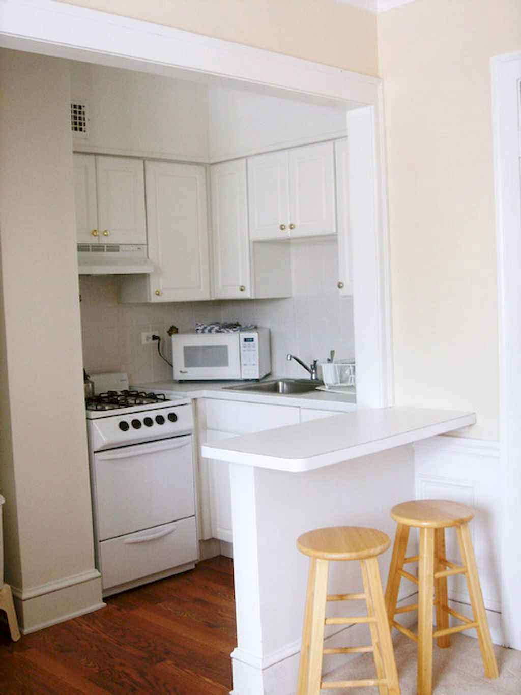 Cool small apartment decorating ideas on a budget (32)