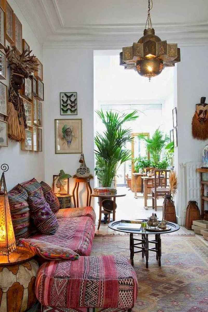 Cozy bohemian style living room decorating ideas (56)