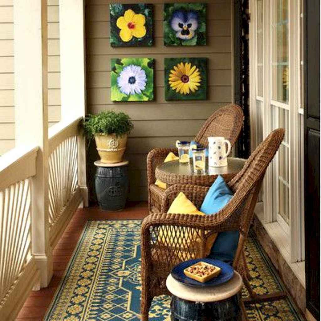Cozy small apartment balcony decorating ideas (24)