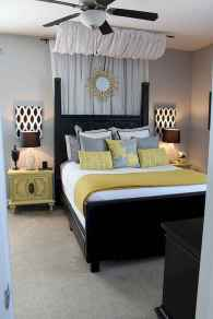 Creative cool small bedroom decorating ideas (35)