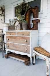 Farmhouse style master bedroom decoration ideas (7)
