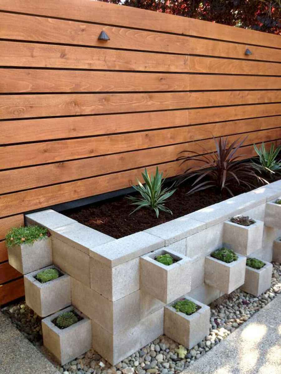 Simple clean modern front yard landscaping ideas (32)