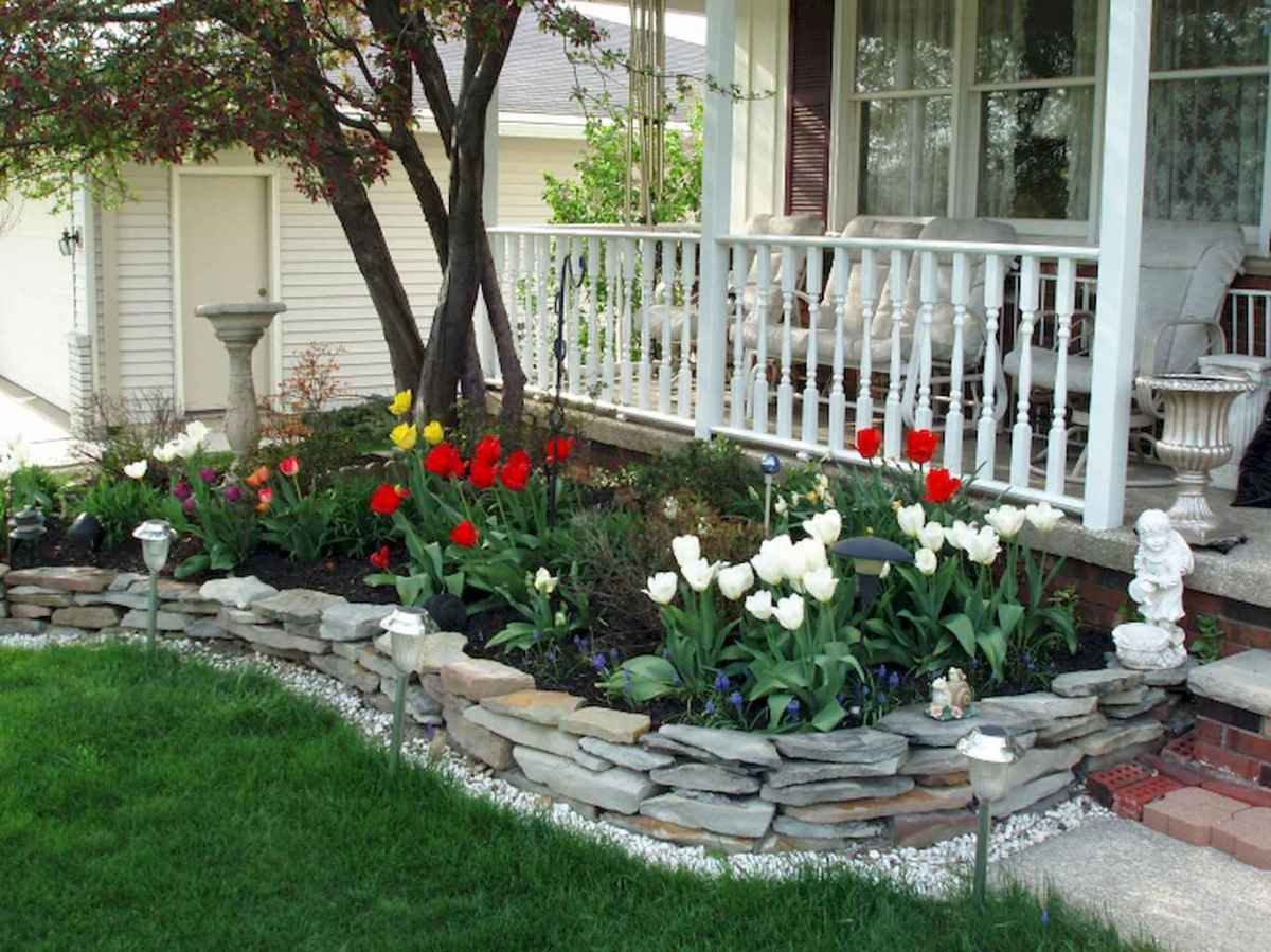 Simple and beautiful front yard landscaping ideas (69)