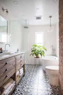 Vintage farmhouse bathroom remodel ideas on a budget (18)