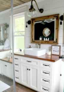 Vintage farmhouse bathroom remodel ideas on a budget (20)