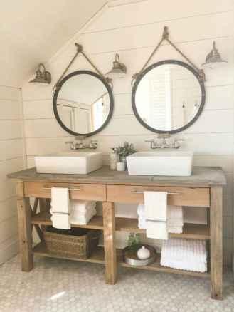 Vintage farmhouse bathroom remodel ideas on a budget (51)