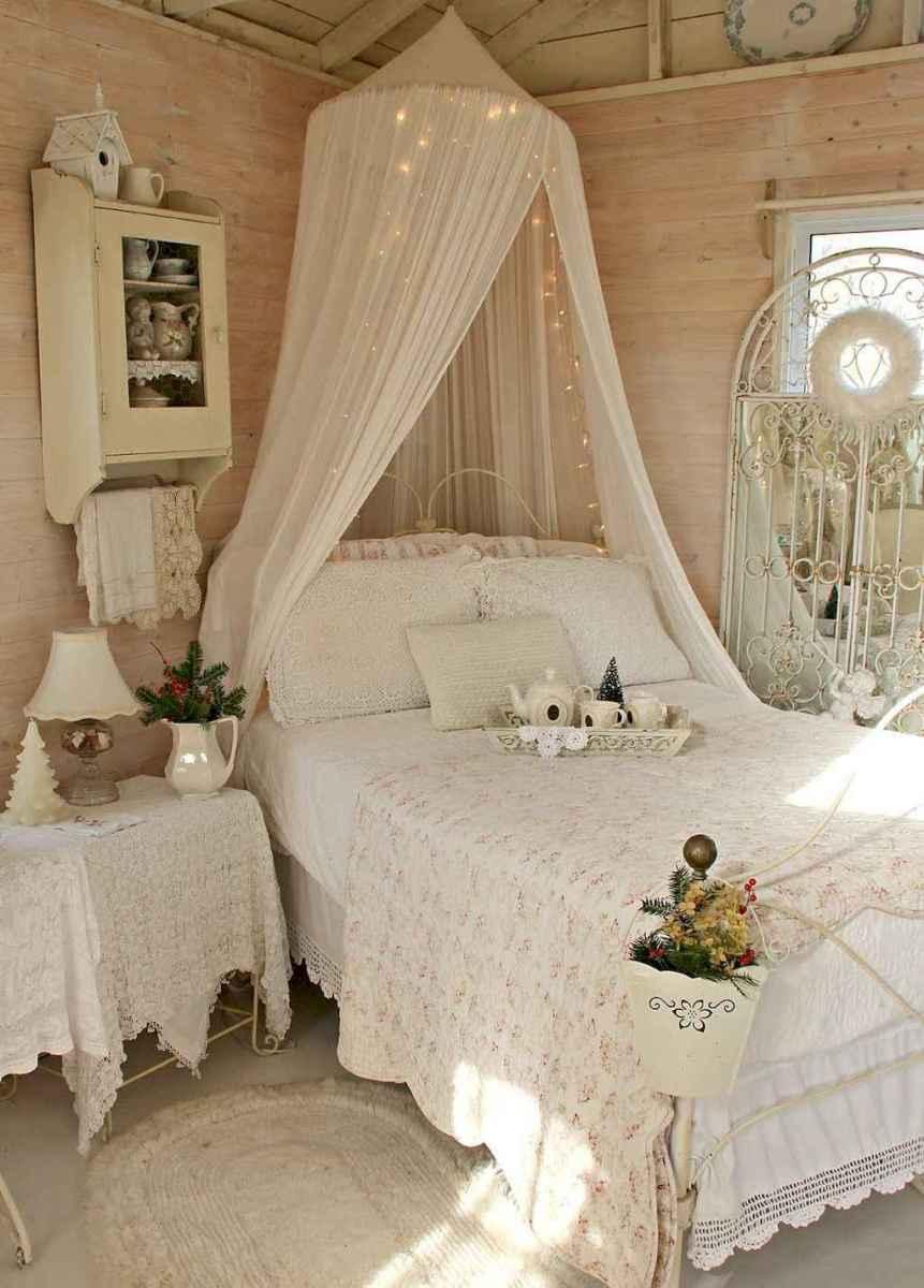 Adorable shabby chic bedroom decor ideas (11)