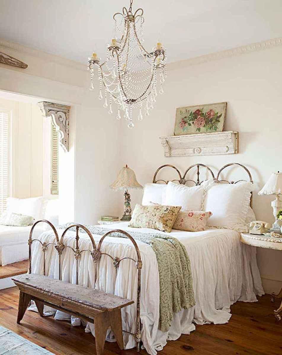Adorable shabby chic bedroom decor ideas (2)