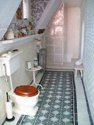 Attic bathroom makeover ideas on a budget (30)