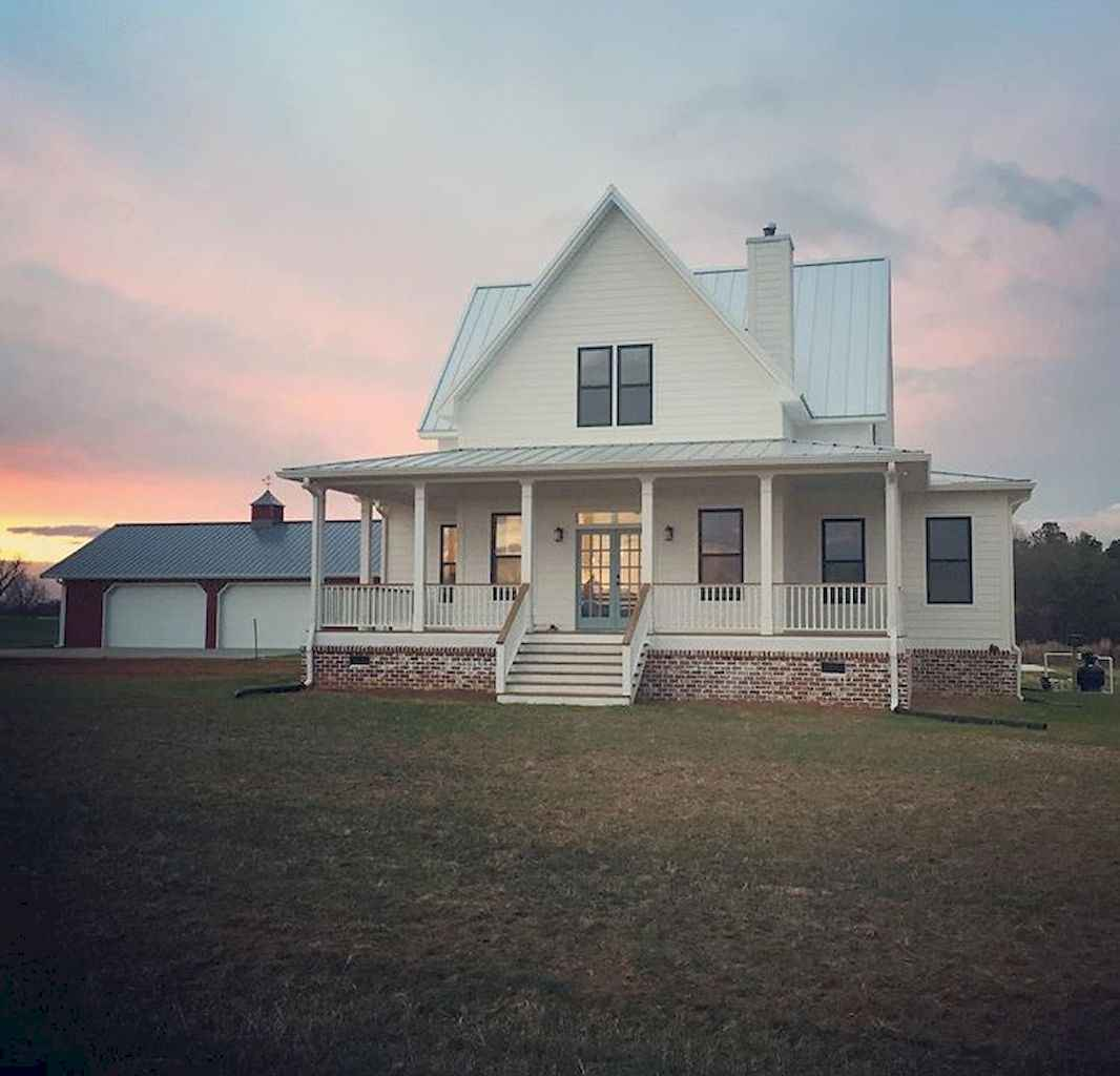 Beautiful farmhouse exterior design ideas (58)