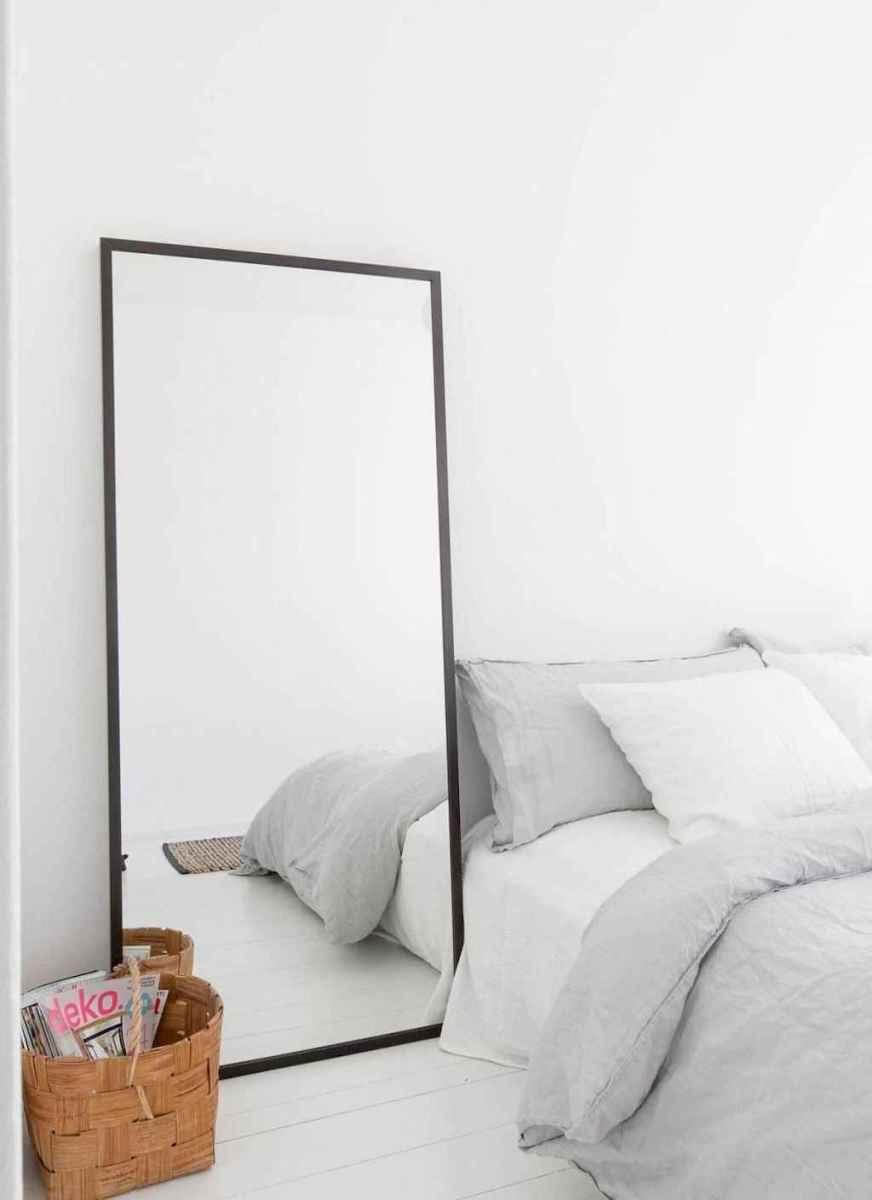 Beautiful minimalist master bedroom decor ideas (15)
