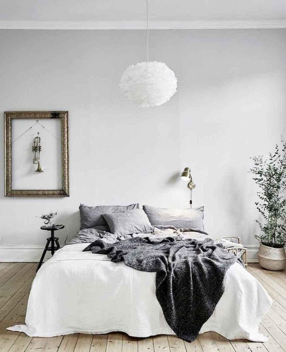 Beautiful minimalist master bedroom decor ideas (31)