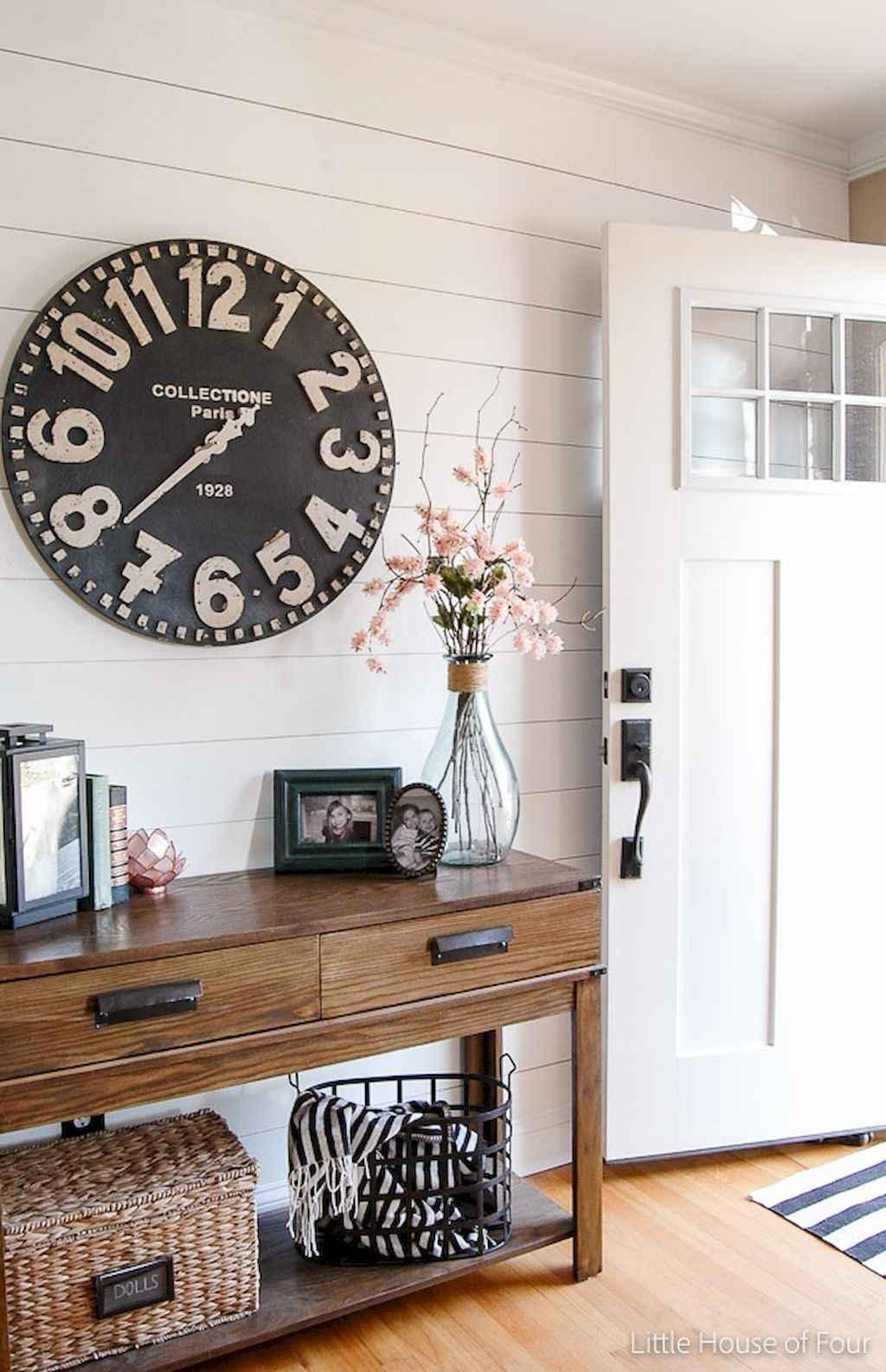 Catchy farmhouse rustic entryway decor ideas (2)