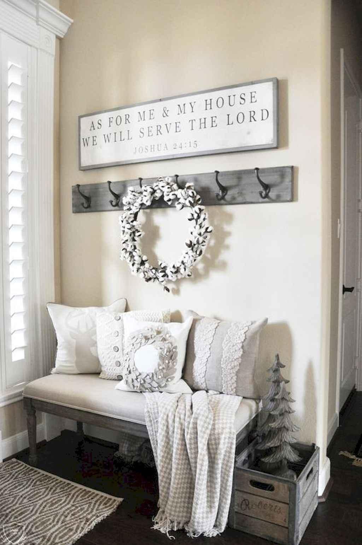 Catchy farmhouse rustic entryway decor ideas (33)