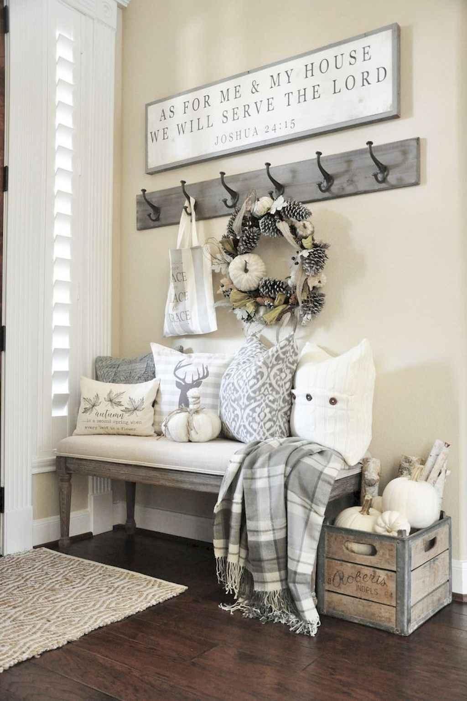 Catchy farmhouse rustic entryway decor ideas (38)