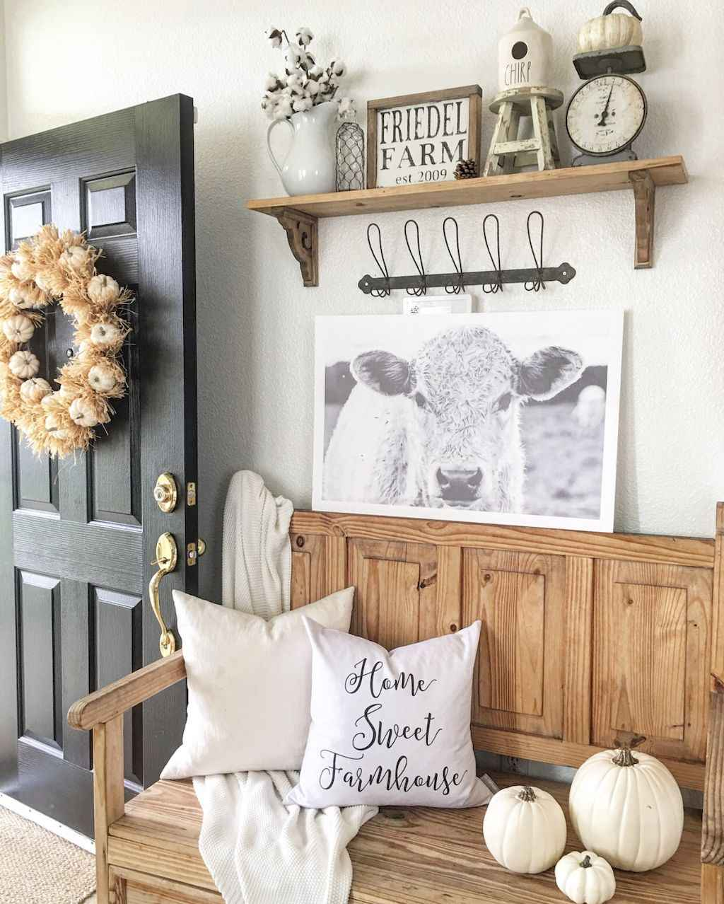 Catchy farmhouse rustic entryway decor ideas (39)