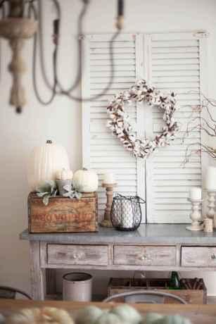 Catchy farmhouse rustic entryway decor ideas (55)