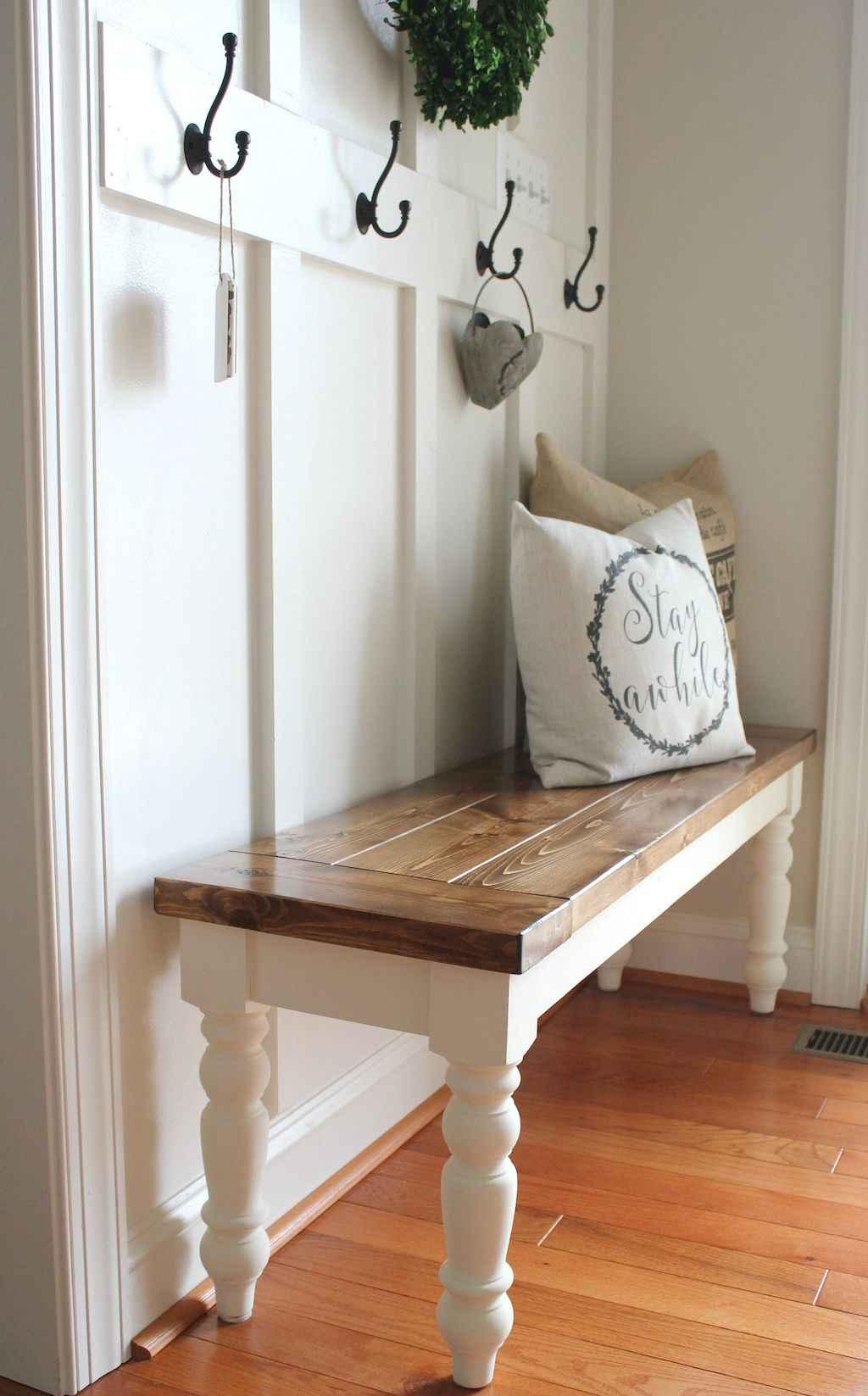 Catchy farmhouse rustic entryway decor ideas (65)